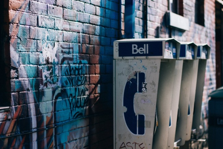 art_brick_wall_city_graffiti_payphones_street_telephone_booth_urban-1179173.jpg!d